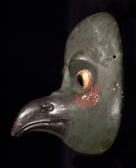 Karasu Tengu Mask, right side